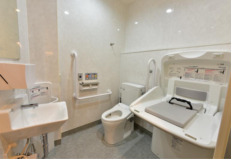 トイレ・多目的トイレ